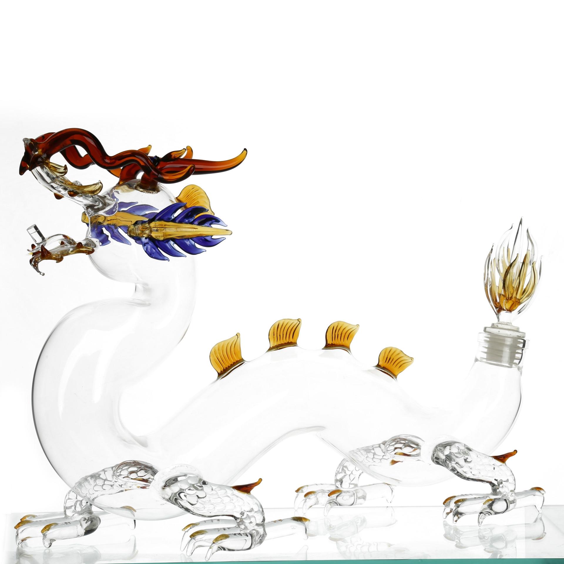 动物玩帆船彩色简笔画