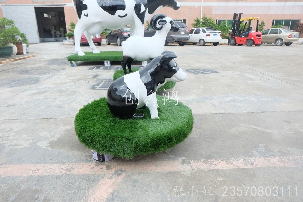 动物园造型雕塑 商场美陈装饰猪 厂家定做