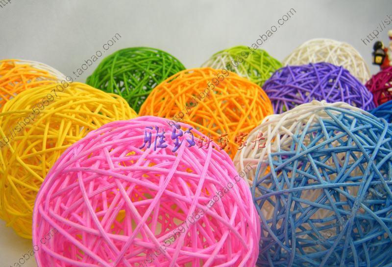 1、本商品为纯手工制做,所以您收到的商品有可能与我们所标的产品 尺寸有稍微差别,这属正常情况,不属质量问题。请苛求完美的买家 朋友慎购.购物之前对商品有任何疑问,敬请先咨询客服,直至了解该 商品,以免引起不必要的误会! 2、藤球颜色均为手工调染,会有些许的颜色差,另外不同批次也会存 在颜色上的不同,不存完全相同的可能。请不要以此做为中差评理由。 我们只能努力将色差减到最小。还请理解 3、本店致力于运输零破损,并始终以顾客权益为服务的最高考量。请 签收前先检查物品的数量及有无损坏,一旦出现运输意外损坏