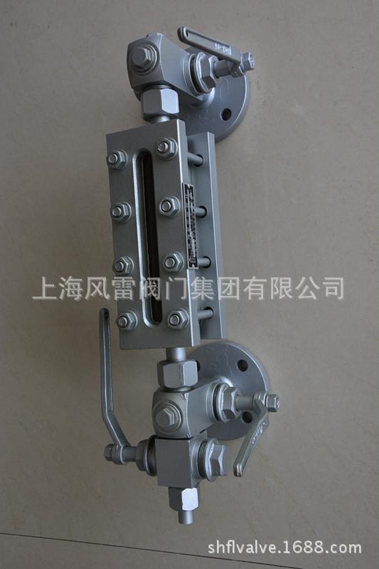 B49X型锅炉双色水位计     B49X型锅炉双色水位计是专用于各类承压容器及工业蒸汽锅炉和蒸汽机车锅炉的水位显示,有汽红水绿来指示液位高度。   特点:直观、可靠、观察距离大,清晰。结构简单合理,维修方便。使用不受水质影响,水气界面分明。仪表上、下装有排气螺钉和排污阀,取样和冲洗方便。  主要技术指标: 测量范围:300 350 440(安装中心距) 可视高度:120 165 195 工作压力:1.